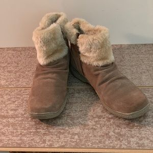 Bare Trap Ankle Boots Sz9 Taupe
